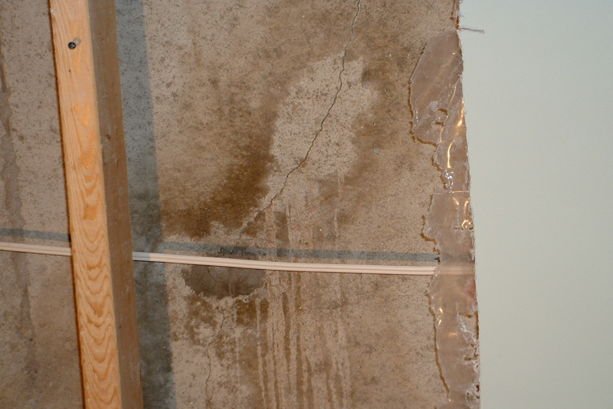 Foundation crack with visible staining